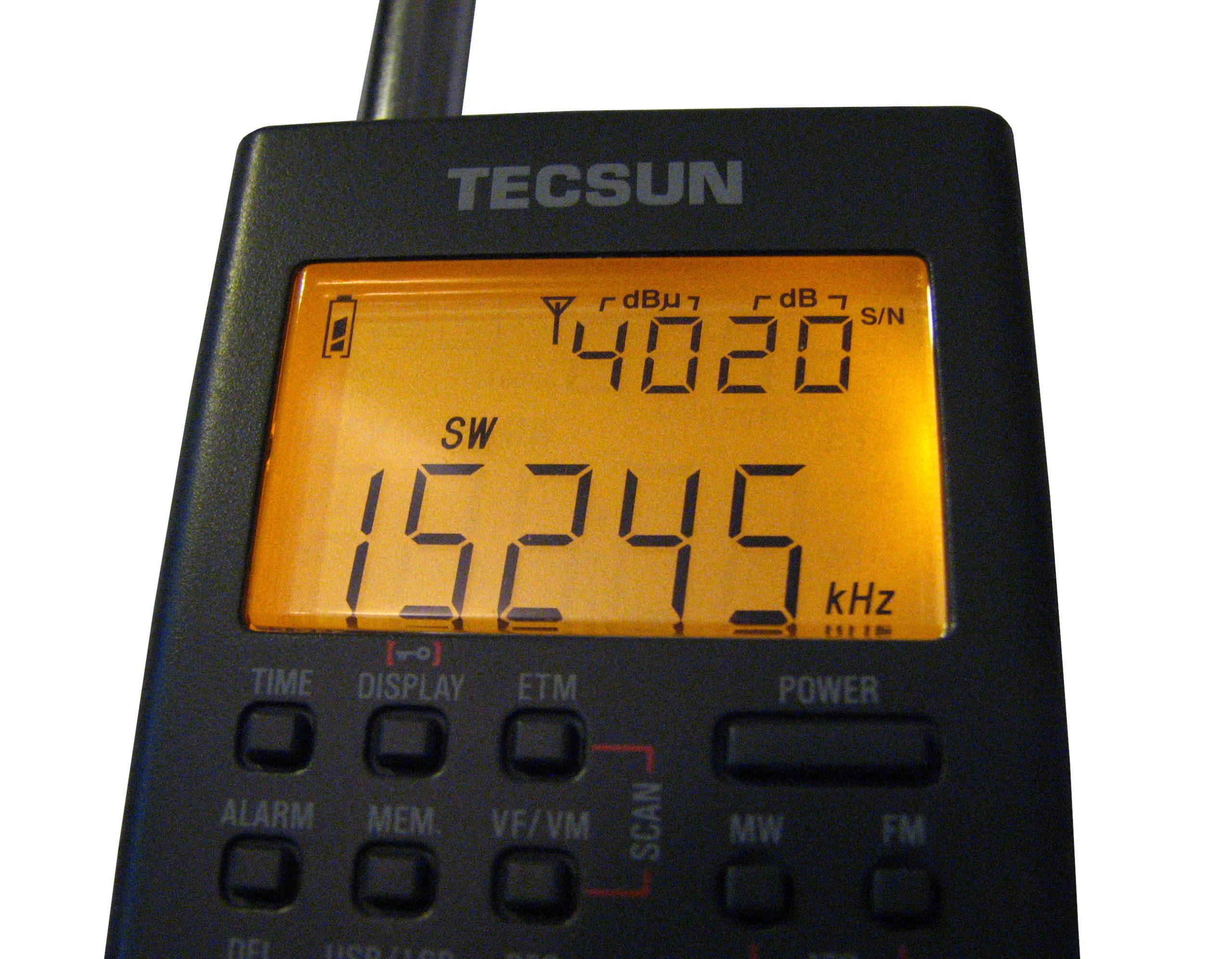 Tecsun PL-365 display